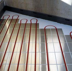 Смонтированная полистирольная система водяного теплого пола